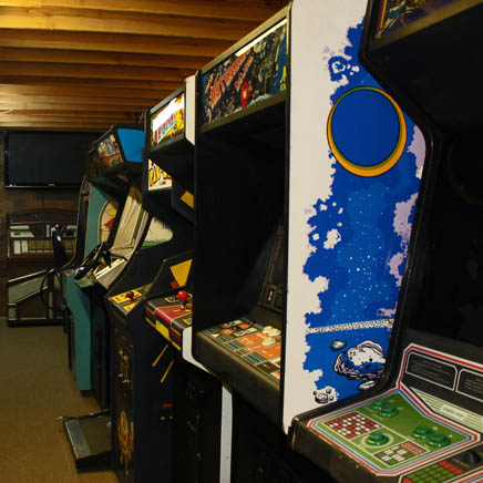 Stand Up Arcade Games Movie Prop Rentals